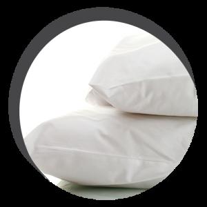 photo proche de 2 oreillers